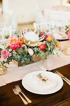 romantic reception table - photo by Julie Harmsen Photography http://ruffledblog.com/romantic-big-island-hawaii-wedding