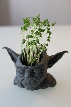 Yoda vase - printed with a Formlabs printer . Yoda vase - p 3d Printing Diy, 3d Printing Business, 3d Printing Service, Print 3d, 3d Prints, 3d Printer Designs, 3d Printer Projects, 3d Projects, 3d Printed Objects