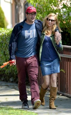 How adorable are Jon Hamm and Jennifer Westfeldt lookin' spexy on their stroll? Sweet specs for him and sleek sunnies for her!