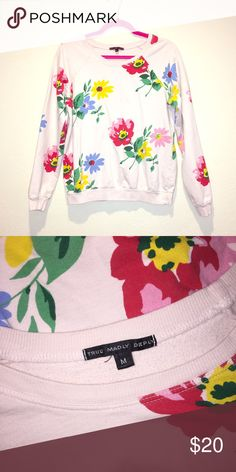 HOST PICK!  Floral Chic Sweatshirt Truly Madly Deeply Size M Classic light-weight  crewneck sweatshirt with bold floral print Great condition Truly Madly Deeply Tops Sweatshirts & Hoodies