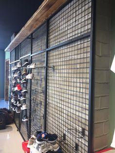 Fashion Shop Interior, Clothing Store Interior, Clothing Store Displays, Clothing Store Design, Shoe Store Design, Retail Store Design, Showroom Interior Design, Retail Interior, Military Store