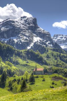 Photo listed in Landscape Shot taken with Canon EOS Mark III. 30 shares, 65 likes and 1334 views. Canon Eos, Alps, Switzerland, Wanderlust, Mountains, Landscape, Spring, Travel, Country Houses