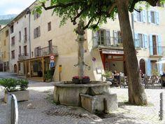 Fontaine de la Place du Reviron
