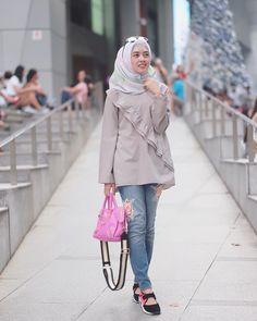 68 super ideas for dress brokat coklat Muslim Fashion, Modest Fashion, Hijab Fashion, Fashion Outfits, Womens Fashion, Fasion, Dresses For Teens, Trendy Dresses, Trendy Outfits