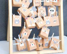 Animal-themed advent calender for kids Advent Calenders, Diy Advent Calendar, Printable Christmas Cards, Christmas Greeting Cards, Diy Gift Box, Diy Gifts, Greeting Card Shops, Creative Gift Wrapping, Printable Calendar Template