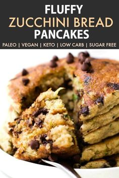 Fluffy Low Carb Keto Pancakes with zucchini (Paleo, Vegan, Gluten Free, Sugar Free)- An easy recipe for thick fluffy flourless keto zucchini bread pancakes made with almond flour and coconut flour- A delicious sugar free breakfast or brunch! Egg Free Pancakes, Low Carb Pancakes, Dutch Pancakes, Fluffy Pancakes, Sugar Free Breakfast, Breakfast Recipes, Breakfast Ideas, Breakfast Cereal, Breakfast Pancakes