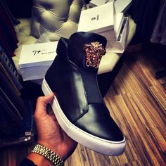 Wanted! #versace #sneakers