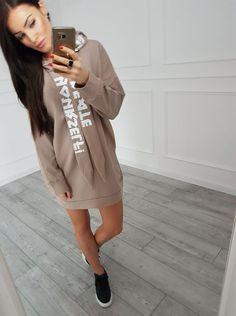 Krásne športové šaty cappucino s modernou potlačou Shirt Dress, T Shirt, Dresses, Fashion, Supreme T Shirt, Vestidos, Moda, Shirtdress, Tee Shirt