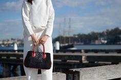 Sophia Top Handle Leather Bag @ www.bidinis.com