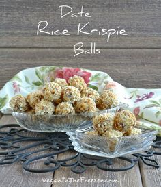 A special treat for after your Christmas meal. Date Rice Krispie Balls are a pleasure that you can whip up in no time. Special enough for a party and healthy enough for everyday. Gluten Free Sweets, Vegan Sweets, Vegan Snacks, Healthy Treats, Vegan Recipes, Cooking Recipes, Köstliche Desserts, Delicious Desserts, Dessert Recipes