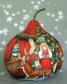 GOURD - Back of Denmark Santa by Suzy Meelhuysen (Etsy.com)