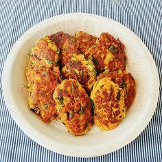 Eles são ótimos acompanhamentos para carnes ensopadas, sopas e peixes grelhados. Você pode utilizar os legumes de sua preferência. Ingredientes: 1 xícara de cenoura ralada 1 xícara de espinafre pic…