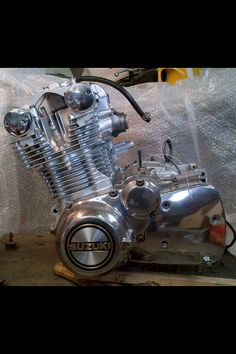 Suzuki Gs 1000 engine prepped ,painted and polished by myself .