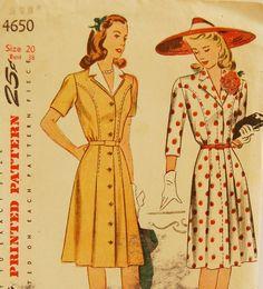 Vintage 1940s Simplicity Misses' Dress par NostalgiaVintage2, $16,50