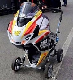This baby carriage was spotted at The Isle of Man TT races. This baby carriage was spotted at The Isle of Man TT races. Motocross, Isle Of Man Tt, Harley Davidson, Baby Carriage, Bike Life, Sport Bikes, Cool Bikes, Motorbikes, Baby Strollers