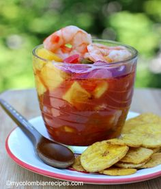 Ceviche, also known as cebiche or seviche, is a popular Latin American dish. Ceviche is usually made with raw fish that is marinated in citrus juice, such as Cuban Recipes, Seafood Recipes, Appetizer Recipes, Appetizers, Colombian Food, Colombian Recipes, Shrimp Ceviche, American Dishes, Latin Food
