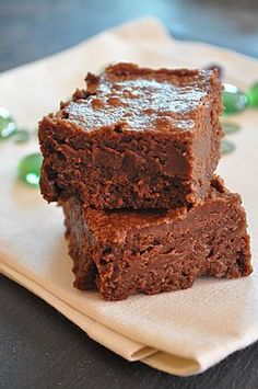 Brownie recipes 597289969305693471 - fondans maizena chocolat Source by Gluten Free Brownies, Peanut Butter Brownies, No Bake Desserts, Delicious Desserts, Yummy Food, Patisserie Sans Gluten, Peppermint Brownies, Sem Lactose, Cupcakes
