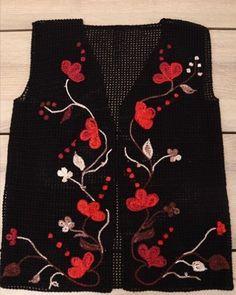 Frauenarchiv - Strickhäkeln - Lilly is Love Poncho Au Crochet, Freeform Crochet, Knit Cowl, Knit Vest, Diy Crochet, Crochet Top, Crochet Hats, Free Knitting, Baby Knitting