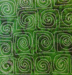 Love the squaring of the spirals! [The Free Motion Quilting Project: Day 213 - Confused Spiral] Quilting Stitch Patterns, Hand Quilting Designs, Machine Quilting Patterns, Quilting Templates, Quilt Stitching, Longarm Quilting, Quilting Tutorials, Quilting Projects, Quilt Patterns