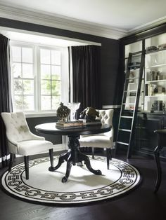 Classic Chic Home: Library. Black And White Office, Black And White Interior, Black White, Black Linen, Dark Grey, White Chic, White Rug, My Living Room, Living Spaces