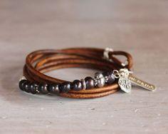 Pearl Leather Bracelet artisan charms di ChickpeaDesignStudio, $62.00
