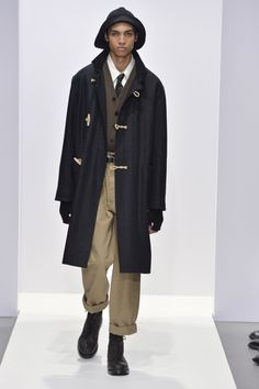Photo from the Fall Winter 2020 Ready-to-wear collection by Margaret Howell. Margaret Howell, Fall Winter, Autumn, Print Magazine, Ready To Wear, Normcore, Menswear, Style Inspiration, How To Wear
