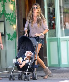 Gisele Bundchen at 31: Hottest Mom Ever!: Model Mom
