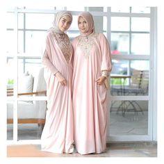 Kaftans, Abayas, Hijab Fashion, Women's Fashion, Dress Pesta, Muslim Dress, Modest Wear, Hijab Outfit, Dressmaking