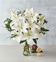 Lilly Bouquet Wedding, White Lily Bouquet, White Lily Flower, White Lilies, White Flowers, Wedding Flowers, Bouquet Flowers, Lilies Flowers, Spring Flowers