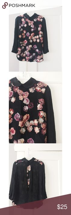 """🎀Host Pick🎀 Wilfred by Aritzia 100% Silk Top Wilfred by Aritzia Silk top.  Has an opening in the back.  Black with floral print.  Great condition.  Women's size 0. 🎀Host Pick """"Total Trendsetter"""" party 1/7/17 Aritzia Tops Blouses"""