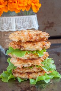 5 minute prep for dinner? Yes, please! Especially if it's this tender pile of shrimp cakes - nice texture, rich taste, moist experience.