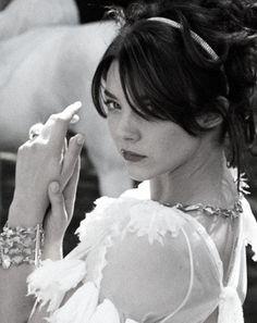 BRUNETTE BEAUTY - NATALIE DORMER