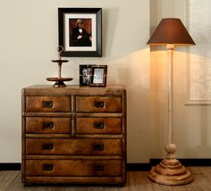 Komoda Fado, obraz Dynasty, podstawa lampy Arbor.