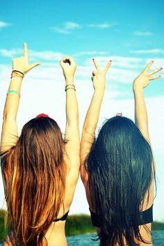 LOVE MY FRIENDS! ik vind het heel leuk om dingen te doen met vriendinnen.
