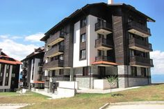This Studio for sale in Royal Park Complex Bansko is very charming and ready to be your base in Bans Drying Room, Fitted Bathroom, Royal Park, Ski Slopes, Ski Lift, Indoor Swimming Pools, Steam Room, Spa Treatments, Apartments For Sale