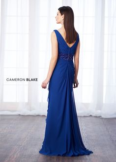 Cameron Blake - 217641 Pleated V-Neck Beaded Drape Chiffon Gown – Couture Candy Mob Dresses, Necklines For Dresses, Types Of Dresses, Vestidos Mob, Cameron Blake, Evening Gowns With Sleeves, Long Gown Dress, Dress Formal, Mother Of The Bride Dresses Long
