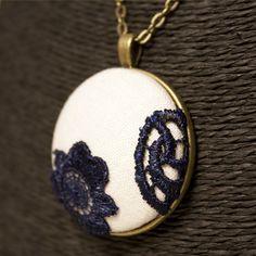 Cuentas de collar cadena colgante concha ornamentals luz azul Bali a mano 28 cm