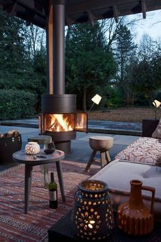 Tuinhaard Boley 993 met grillrooster te grillen en bbq-en Garden fireplace Boley 993 with grill to grill and bbq-en Outdoor Gas Fireplace, Outside Fireplace, Fireplace Garden, Fireplace Seating, Hanging Fireplace, Outdoor Fireplace Designs, Outdoor Stove, Fireplace Heater, Gas Fireplaces