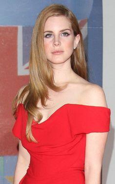 Lana Del Rey, hair, dress, and make up = gorgeous!