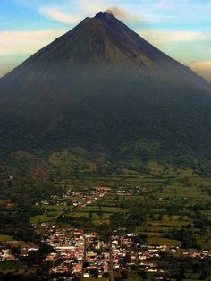 Volcán Arenal, Costa Rica #CreateYourAdventure #Travel Book a tour now only on projectexpedition.com