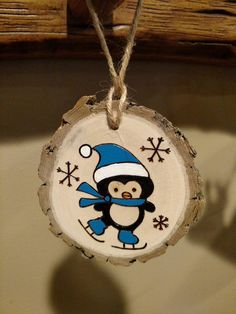 Wood Burned Ornament -- Blue Penguin -- Christmas Ornament -- can be personalized Wood Slice Crafts, Wood Burning Crafts, Wood Burning Patterns, Painted Ornaments, Wooden Ornaments, Holiday Ornaments, Wood Wood, Diy Wood, Painted Wood