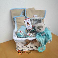 www.pikapic.es Cesta regalo para recién nacido