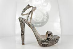 #sandalia #piton #design #original #style #estilo #fashion #handcrafted #sandals #python #zapatos #sandalias #plataforma #moda #fashion #handcrafted #madeinspain BUY//COMPRAR: http://www.jorgelarranaga.com/es/home/498-1012.html