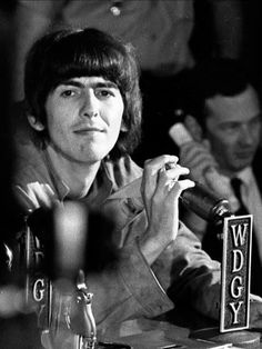 George Harrison Daily : Photo