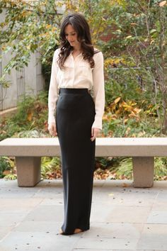 Need to recreate this look.  If nothing else, that long black skirt!