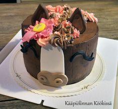 Kääpiölinnan köökissä: Kakkuja arkistojen kätköistä osa 11 - Heppakakku ♥ Cake, Desserts, Food, Pie Cake, Tailgate Desserts, Pie, Deserts, Cakes, Essen