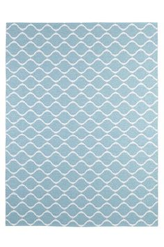 Nytt mønster som passer overalt. Horredsteppet er et praktisk og lettstelt svenskprodusert plastteppe i moderne fargekombinasjoner. Maskinvaskbart og vendbart. <br><br>100% pvc<br>Vask 30°