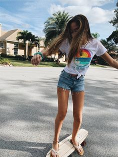 𝙿𝚒𝚗𝚝𝚎𝚛𝚎𝚜𝚝: 𝙷𝚎𝚢𝚜𝚊𝚋𝚊𝚝𝚎 🦋 - cute happy things/Everything - Skater Girls Summer Feeling, Summer Vibes, Shotting Photo, Summer Outfits, Cute Outfits, Foto Instagram, Insta Photo Ideas, Summer Goals, Skater Girls