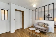 Minimalist Apartment Design With Maximal Functionality 07 Parisian Apartment, Minimalist Apartment, Minimalist Home Decor, Minimalist Bedroom, Apartment Design, Mini Loft, Tiny Apartments, House Entrance, Small Spaces