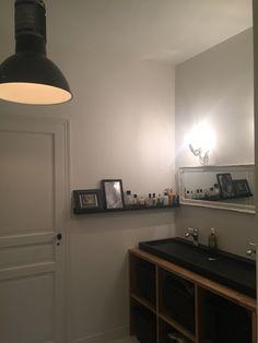 Salle de bains black &white  Fabrication d'un meuble de lavabo avec vasque en pierre noire C2villaucourt.com